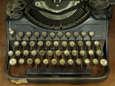 Old Typewriter by thaikrit